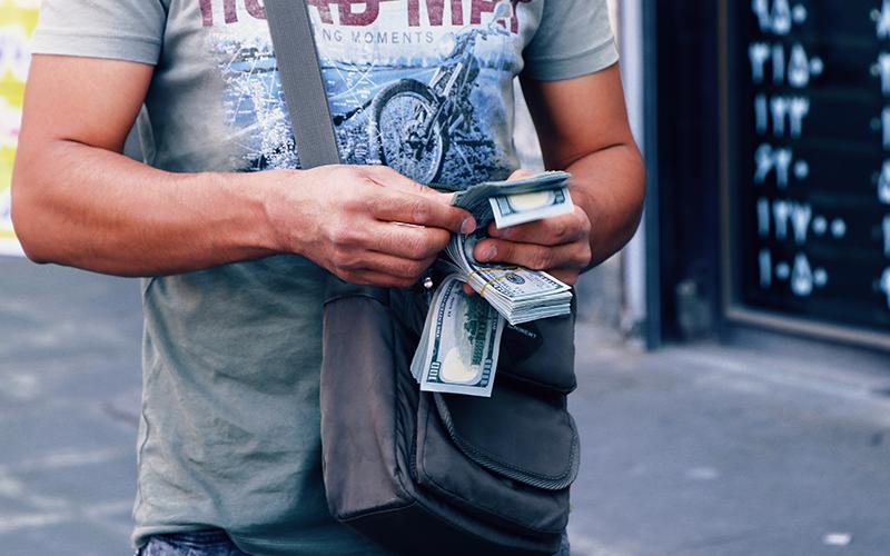 سیاست ارز پاشی برای مدیریت نرخ ارز دیگر جواب نمیدهد