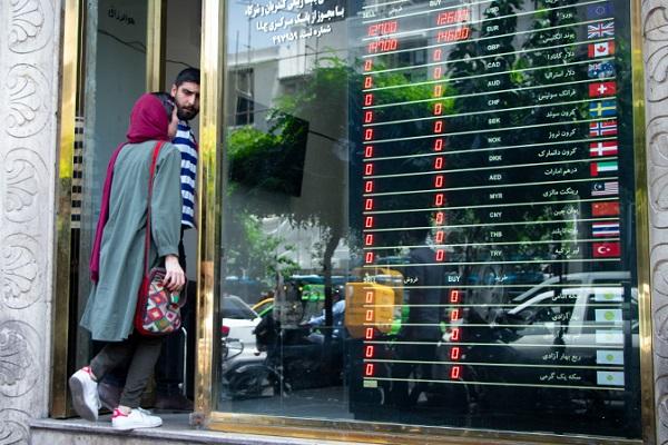 ادعای عجیب درباره مذاکره ایران و آمریکا/ شاید شوکی بزرگ برای بازار ارز!