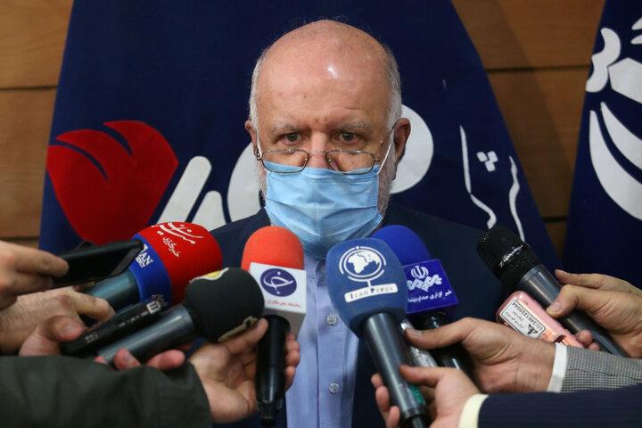 زنگنه: ایران برای بازگشت به بازار نفت اجازه نمیخواهد