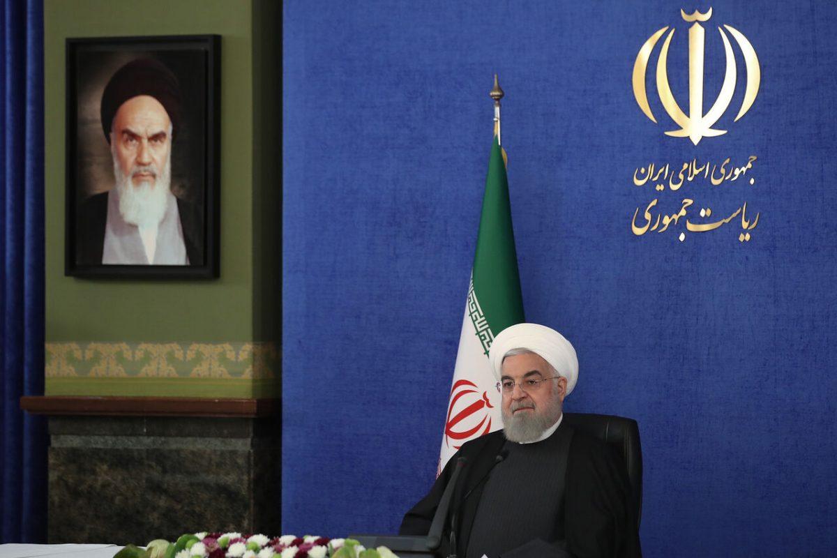 روحانی: لحظه به لحظه به دنبال بیاثر کردن تحریمها هستیم