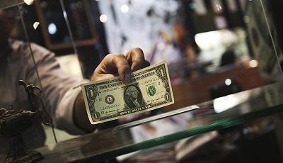 دلار ۱۰ هزار تومانی شوخی سیاسی است / پیشبینی بازدهی ماهانه ۵ درصد بورس