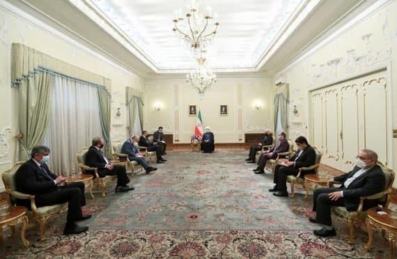 تاکید روحانی بر ارتقای روابط همه جانبه با روسیه